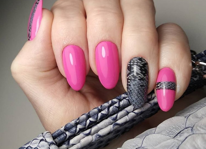 TOP-1 Animal print on nails