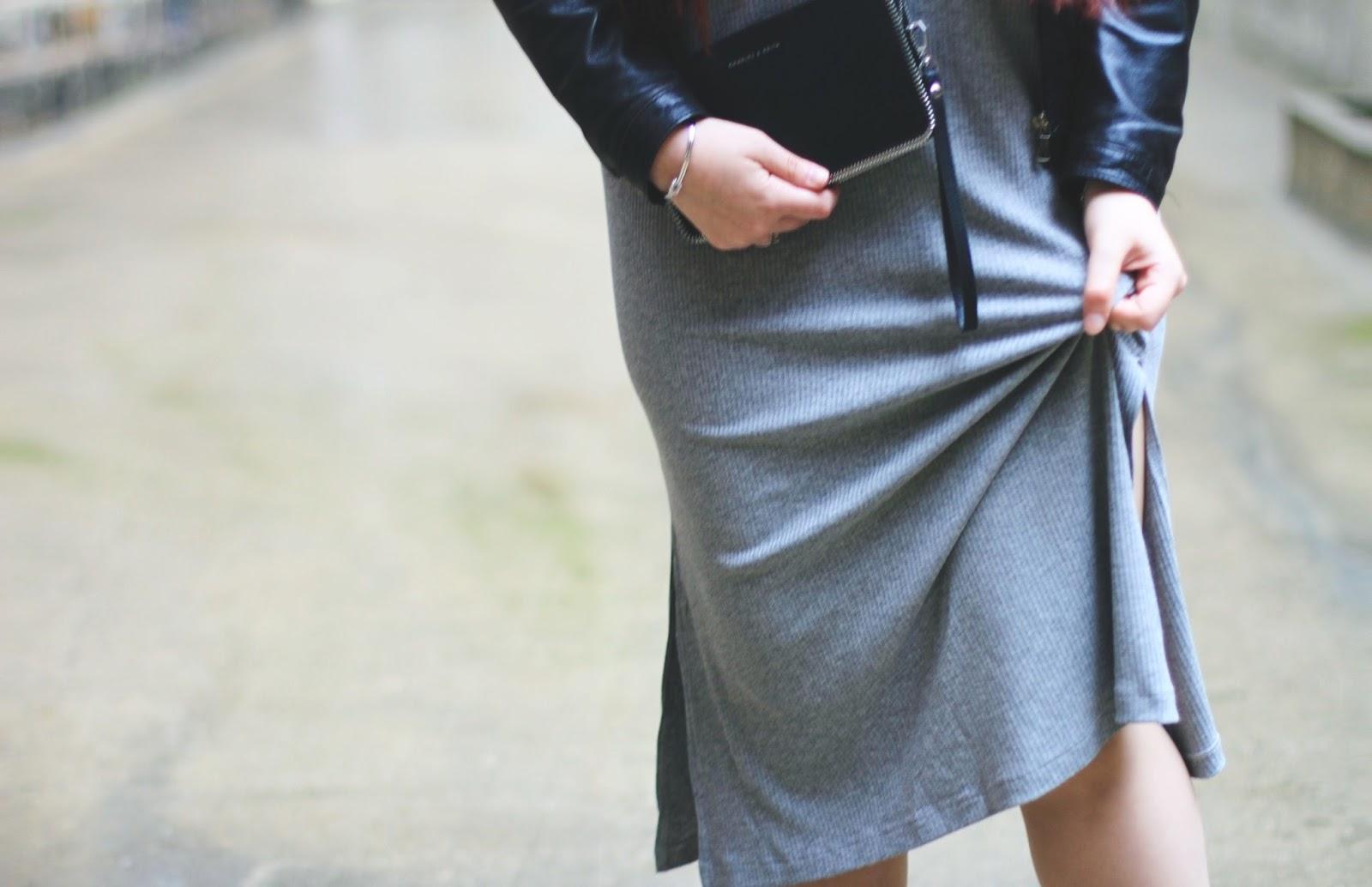 robe grise fendue