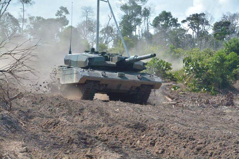 MBT Leopard 2 Revolution RI