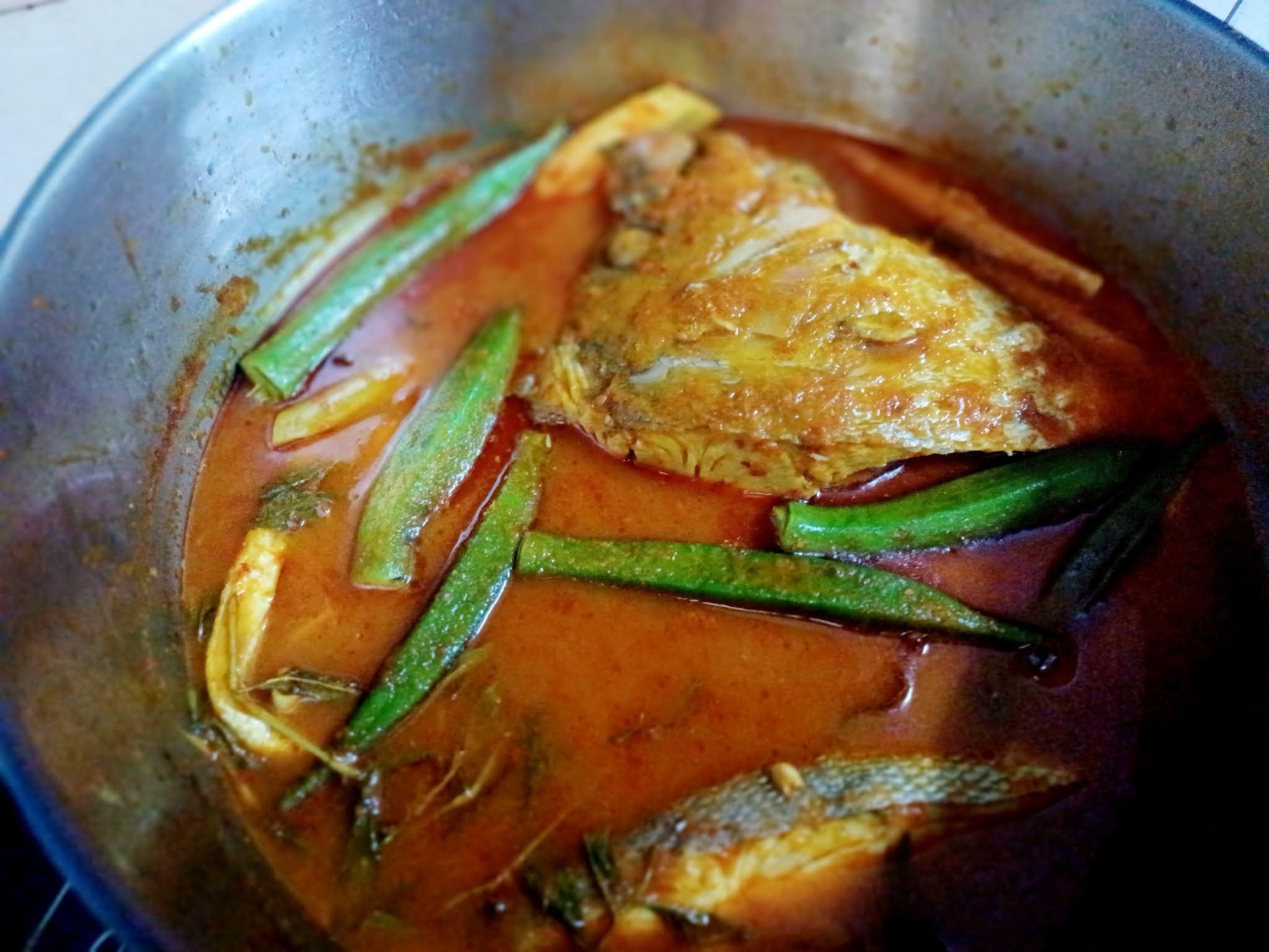 Ikan Kaci Asam Pedas Dengan Bendi