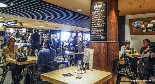 Praça de alimentação do Gourmet Experience de El Corte Inglés, na Plaza de Callao, Madri