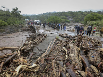 SAD!!! Landslides Kill Atleast 36, Over 500 Vehicles Stucked In Kenya