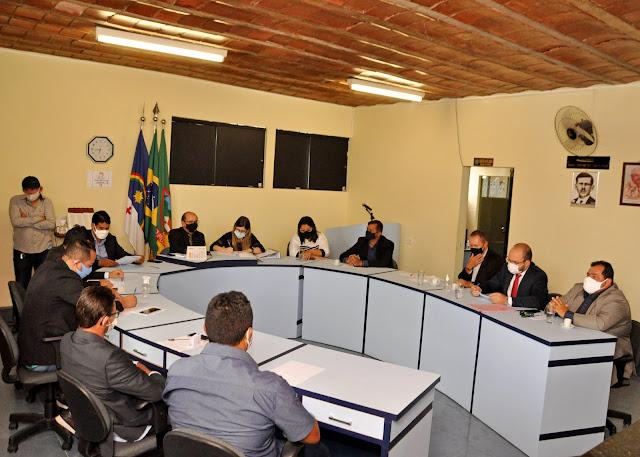 LOCAL: Câmara de Vereadores aprova contas do ex-prefeito, Joãozinho Tenório