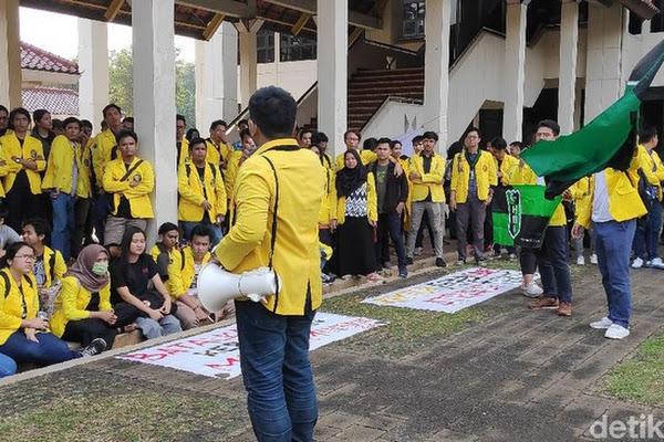 Mahasiswa Bergerak? Tolak Parkir Berbayar