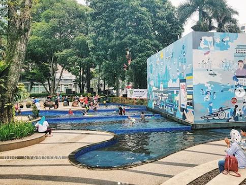 kolam -untuk-bermain-anak-taman-sejarah