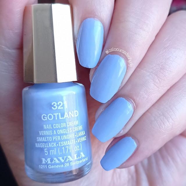 https://www.laslocurasdeahyde.com/2021/06/nail-art-azul-pastel.html