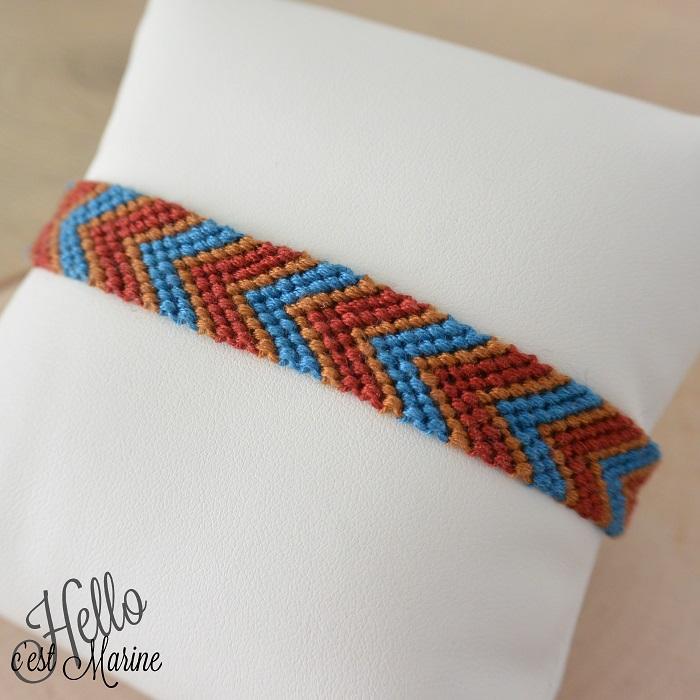 Bracelet brésilien bleu et rouge par Hello c'est Marine