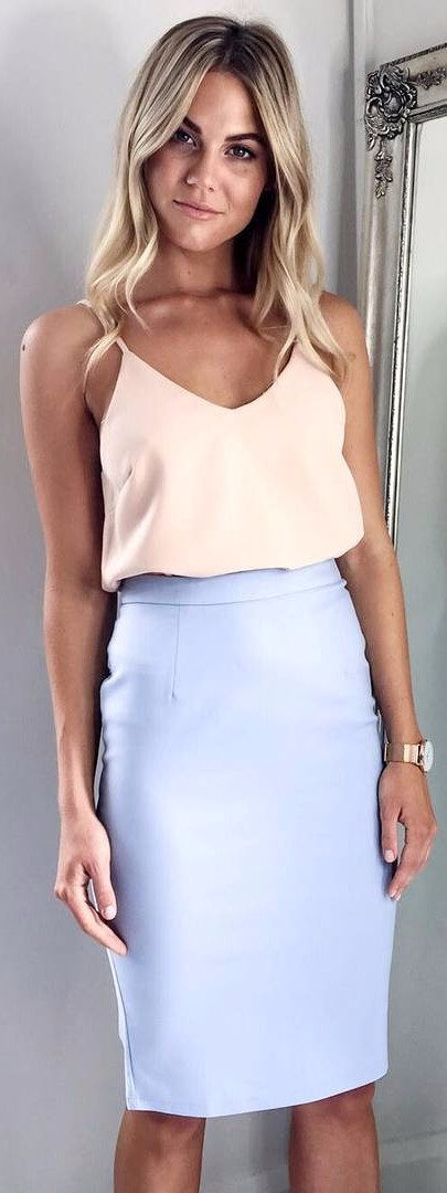 awesome color combinations / pale blue pencil skirt + nude tank top