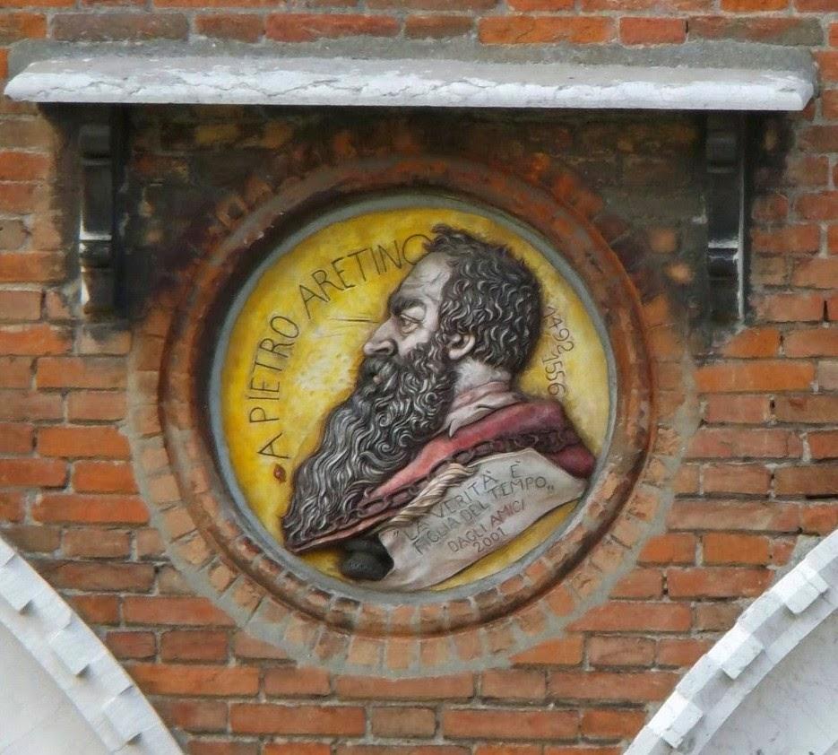 A plaque to Pietro Aretino in the Pescheria in Venice.