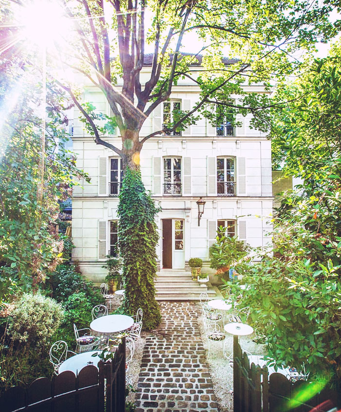 City Guide: 2 Chic Recommendations for Spending a Springtime Afternoon in Paris