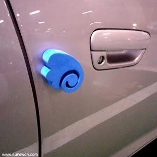 Corcho azul para proteger puertas de automóviles