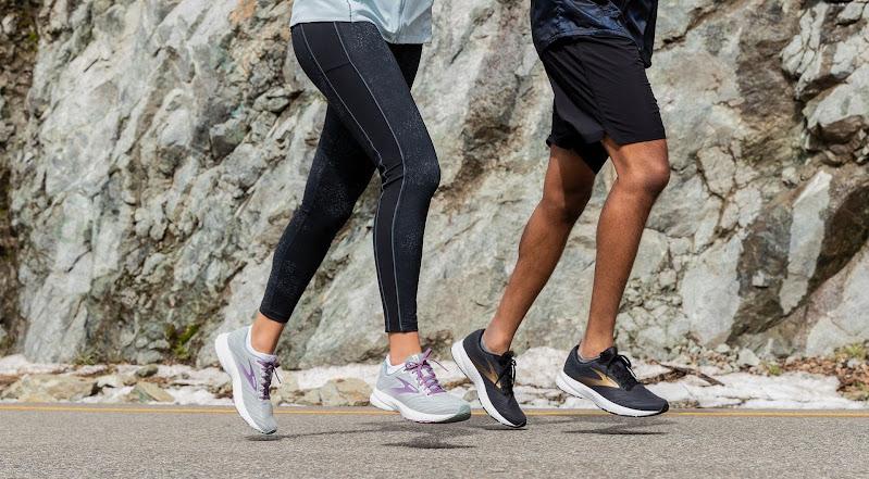 best running shoes for men under 500
