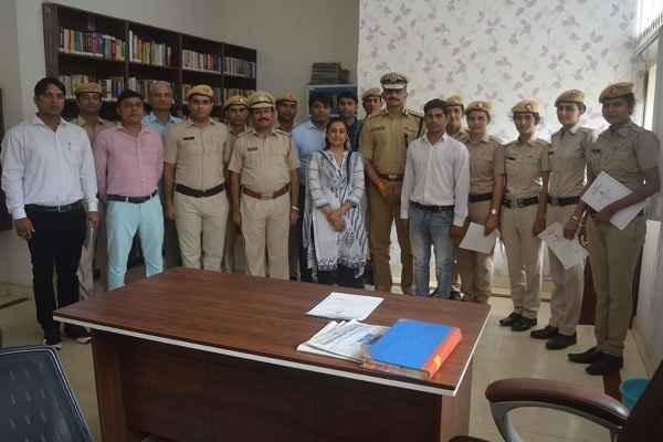 haryana-adgp-awarded-computer-operation-policemen-sector-30-police-line
