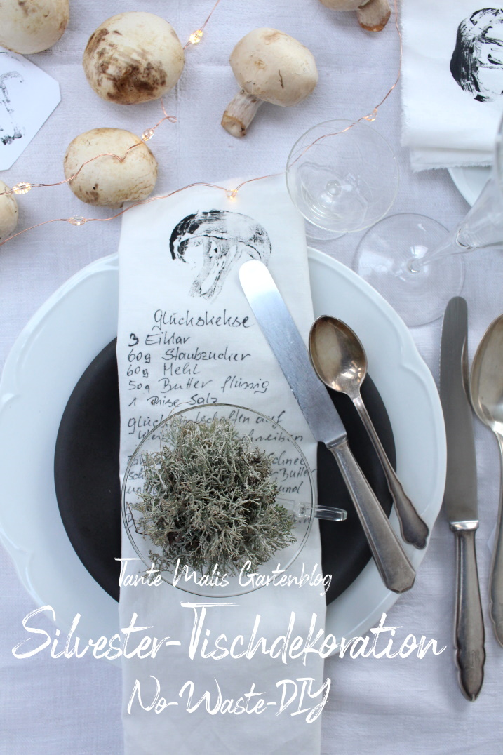 Pilze und selbst bedruckte Servietten für den Silvesterabend
