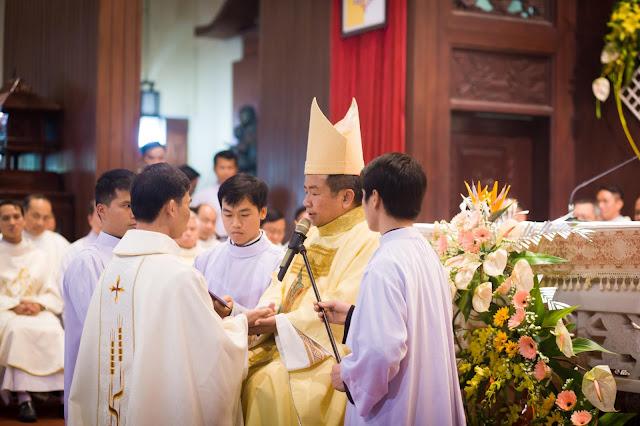 Lễ truyền chức Phó tế và Linh mục tại Giáo phận Lạng Sơn Cao Bằng 27.12.2017 - Ảnh minh hoạ 29