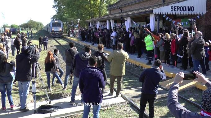 Video: Serodino volvió a ser parada del tren y el pueblo se revolucionó
