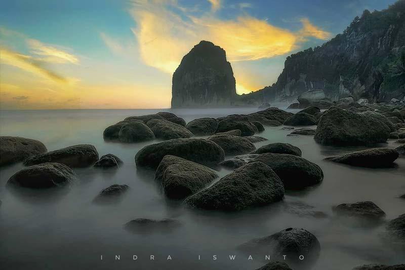 Pantai Pangasan Pacitan Jawa Timur