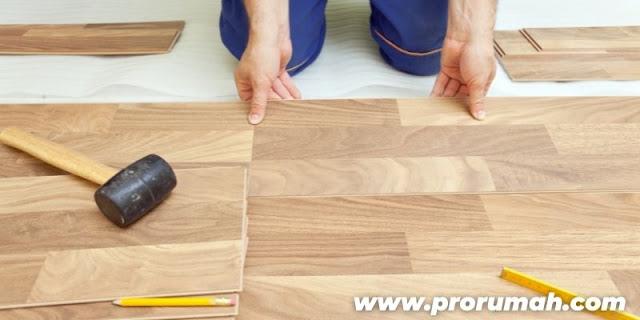 Keunggulan SPC Flooring - bisa dipasang pada permukaan yang tidak rata