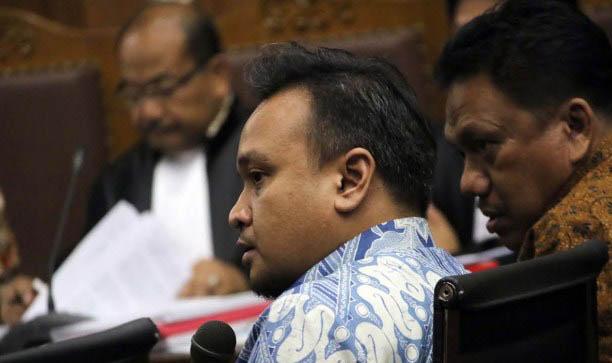 Waduh,, Keterangan Novanto di KPK Dibantah oleh Keponakannya Sendiri