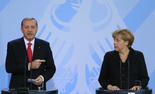Der Spiegel σε Μέρκελ: Απελευθερώσου από τα δεσμά του Ερντογάν