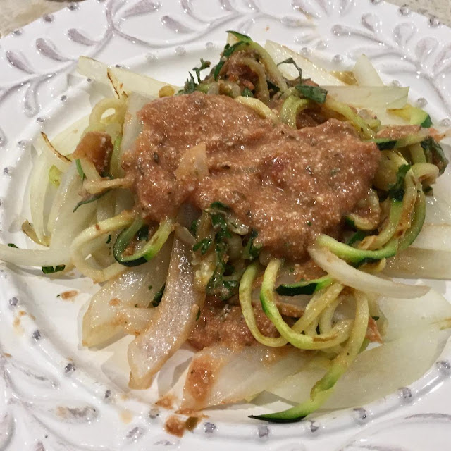 Zucchini noodles with vegan cashew sauce