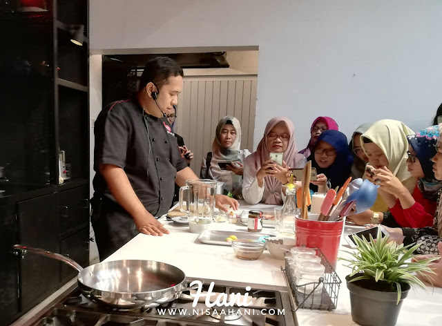 demo masak acara forest talk