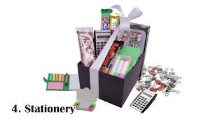 Stationery merupakan rekomendasi isian hampers lebaran yang menarik dan bermanfaat