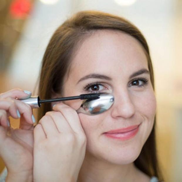 Maquillaje de Pestañas con Cuchara