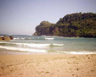 Wisata Pantai Pangi Blitar