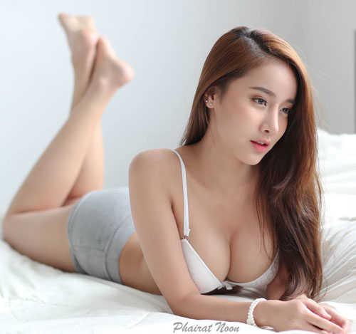 """Ngắm đường cong hoàn hảo của """"nữ thần vòng 1"""" Thái Lan"""