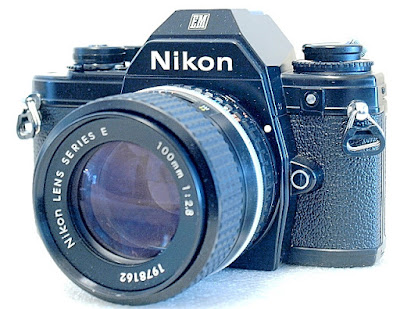 Nikon EM, Nikon Series E 100mm F2.8, front right