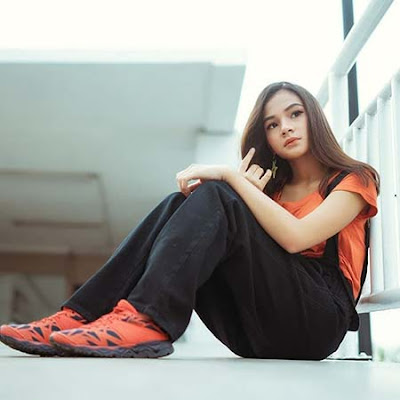 Nikita Rizki Model