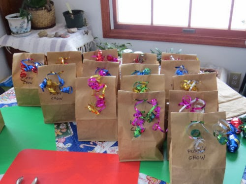 gift bags of puppy chow