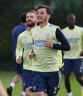 Mesut Ozil denies Arteta injury claims