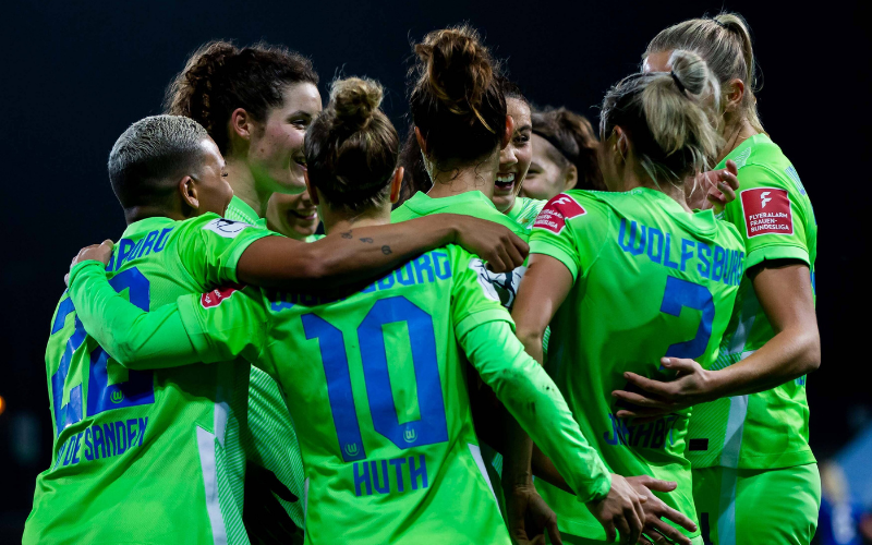 As Lobas do Wolfsburg golearam o Turbine Potsdam e segue à caça do líder Bayern de Munique (Imago)
