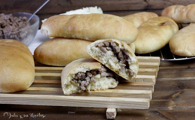 Runzas o pan rellenode carne con repollo. Julia y sus recetas