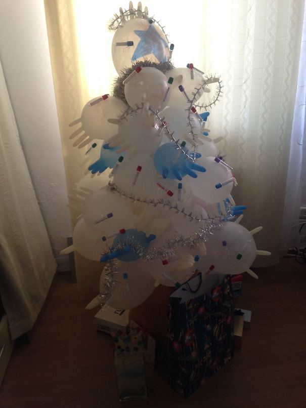 Creative Ideas For Christmas Decorations By A Hospital's Medical Staff - Our Medical Chrismas Tree
