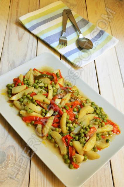 hiperica di lady boheme blog di cucina, ricette gustose, facili e veloci. Peperoni patate e piselli in padella
