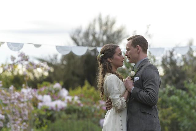 der cineast Filmblog Tom und Isabel tanzen auf ihrer Hochzeit