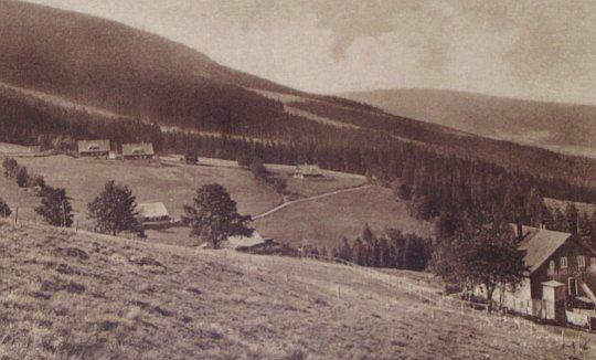 Budniki - stare zdjęcie z widokiem w kierunku Karpacza.