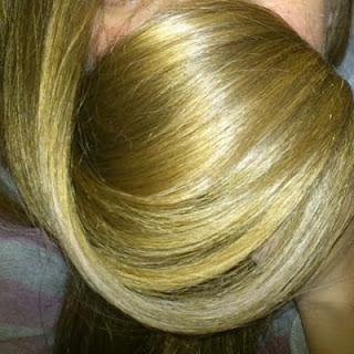 1522124 10154490156630554 9026218819678110124 n%2B%25281%2529 - وصفة البابونج للحصول على شعر أشقر طويل وقوي