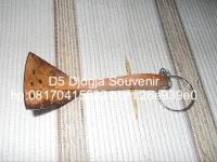 souvenir pernikahan murah, souvenir gantungan kunci centong