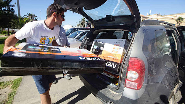 Argentine tourist and his car loaded with products bought in Chile.