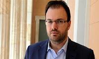 Θεοχαρόπουλος: Όχι γραβάτα, αλλά ποσέτ για τα δάκρυα του ελληνικού λαού πρέπει να φορέσει ο Τσίπρας