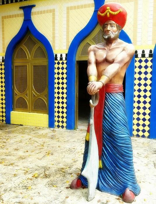 Árabe guardando o serpentário, Beto Carrero World