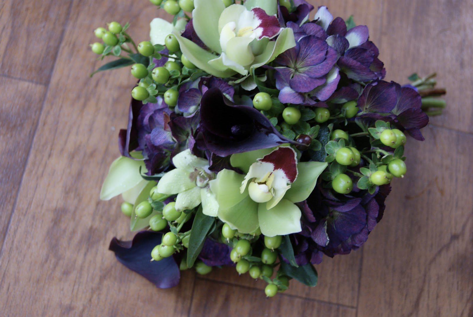 Intuitive Blooms: Overdue November Wedding Flowers