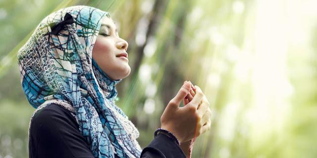 Ingin Menjadi Manusia yang Senantiasa Bersyukur Kepada Allah SWT? Lantunkan Doa Berikut Ini