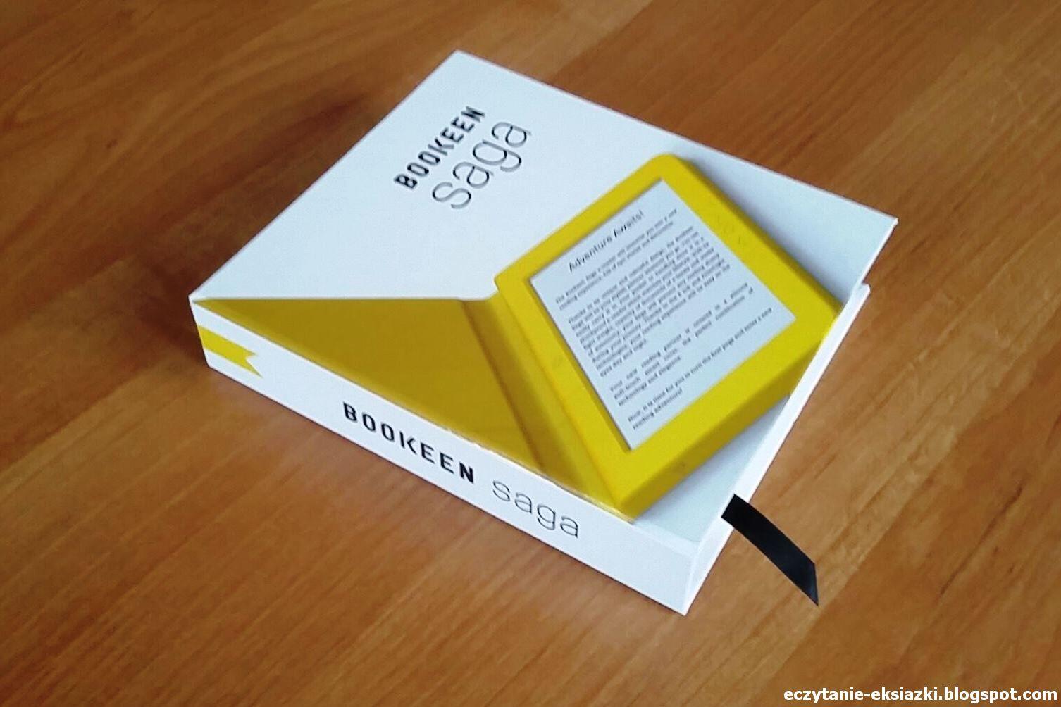 Zdjęcie czytnika Bookeen Saga w opakowaniu przypominającym książkę