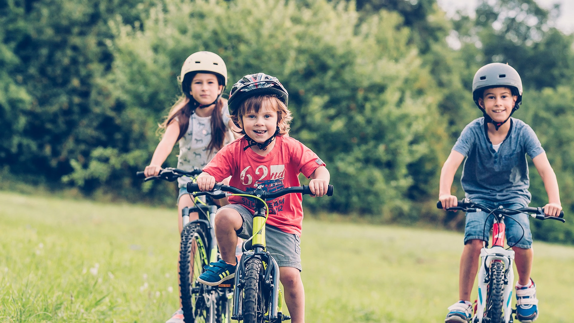 bicycle safety tips and tricks
