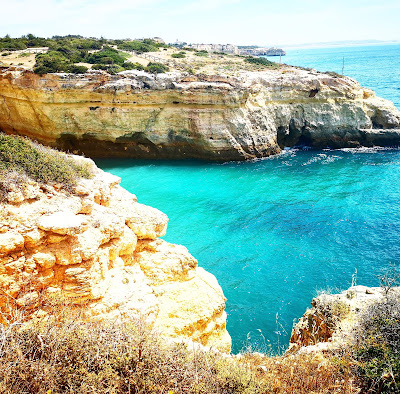 what claire did travel blogger benagil caves algarve